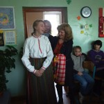 Tautodailininkė S. Dacienė Mažeikių r. Balėnų pagrindinėje mokykloje