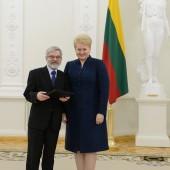 V. Braziūnui įteikta nacionalinė premija